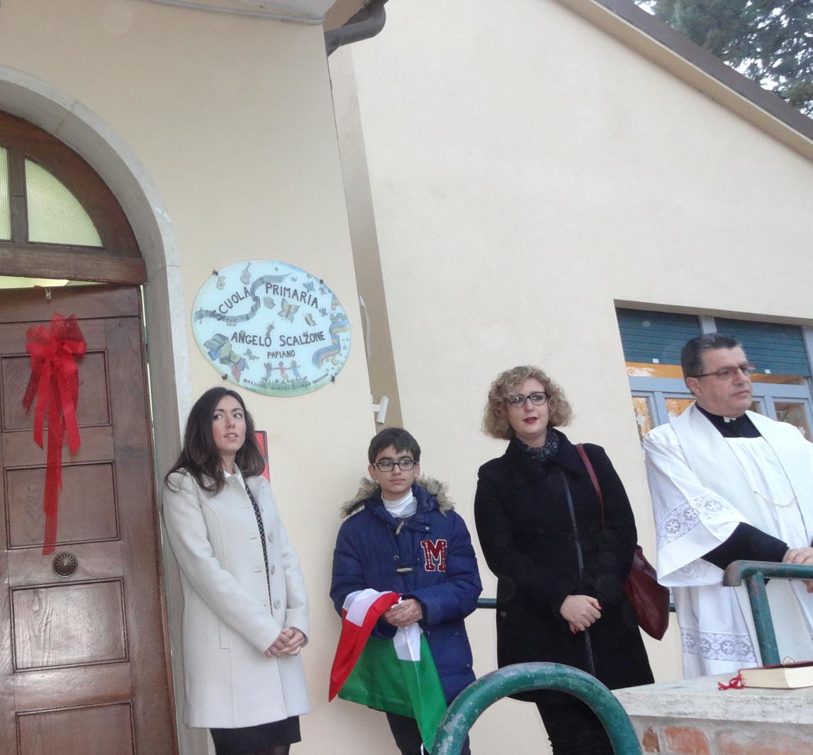 Intitolazione_scuola_scalzone_papiano