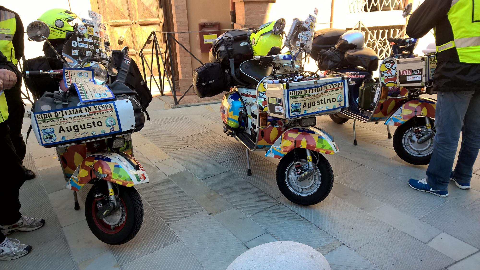 Giro Italia in vespa Marsciano